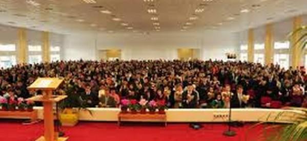 """Seria de congrese ale Martorilor lui Iehova-""""Să urmăm exemplul lui Isus!"""", susţine valorile familiale"""