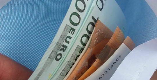 Plic cu bani găsit de un subofițer din cadrul IJJ Bistrița-Năsăud, aflat în concediu, restituit păgubașului